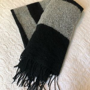 Black and grey GIANT scarves